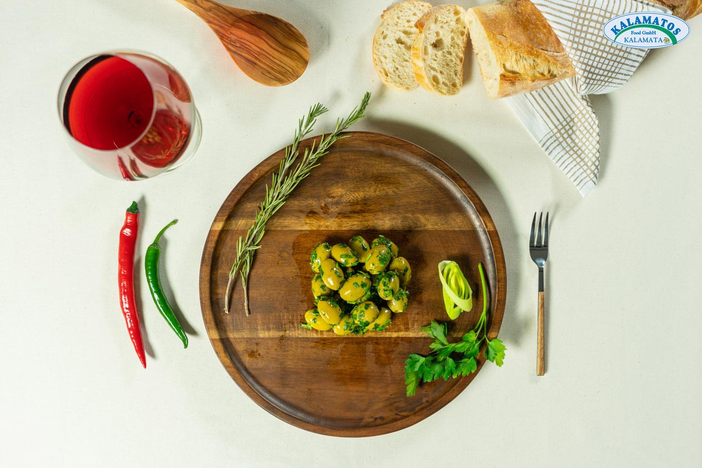 Grüne Oliven ohne Kern